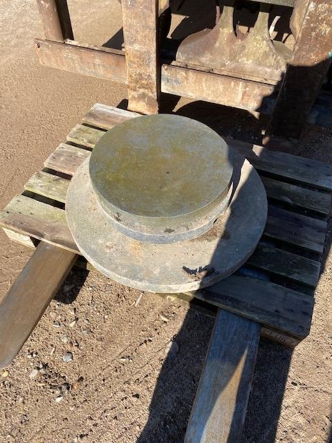 Let vægs dæksler 2 stk. a 50 cm i diameter 1 stk. a 80 cm i diamete