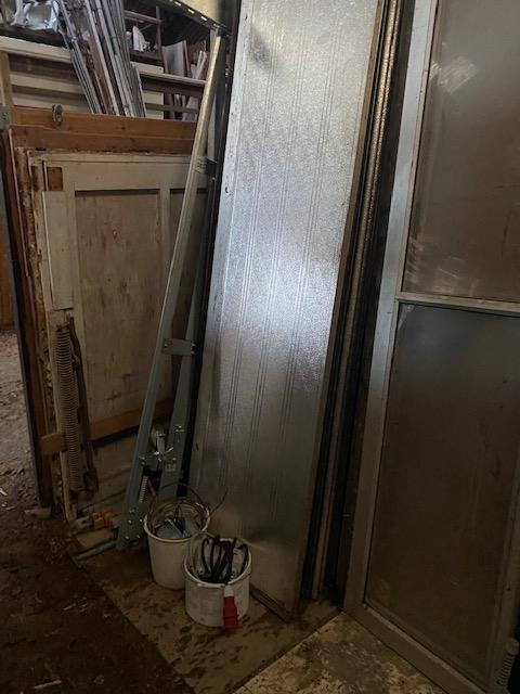 Aluminiums port uden ruder med el hejs 3.60 høj x 4,80 bred er ok men har lille skade
