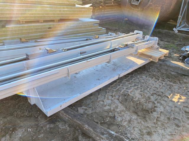 Hæve sænke bord 3.80 bred 2.25 dyb løfter 4.5 meter hø